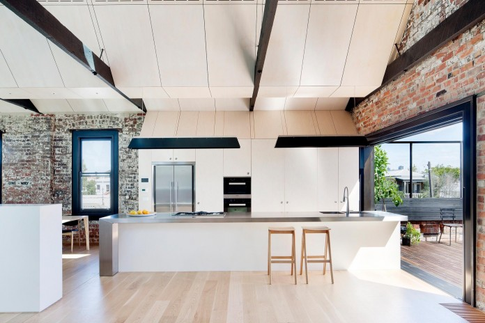 Warehouse-Converted-into-Water-Factory-Residence-in-Fitzroy-by-Andrew-Simpson-Architects-10