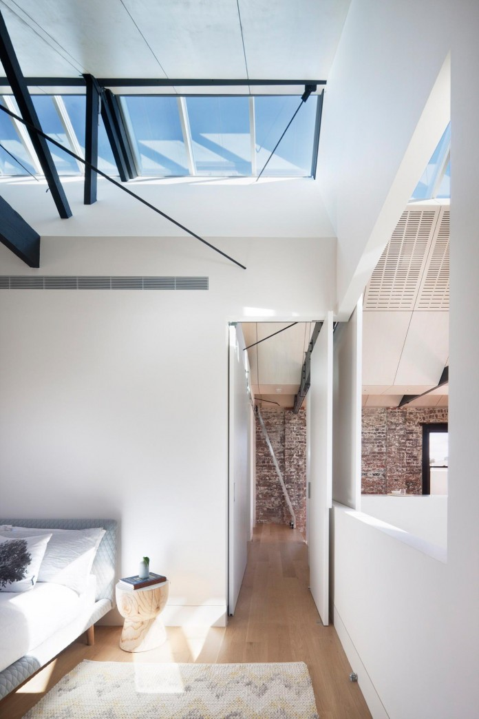 Warehouse-Converted-into-Water-Factory-Residence-in-Fitzroy-by-Andrew-Simpson-Architects-13