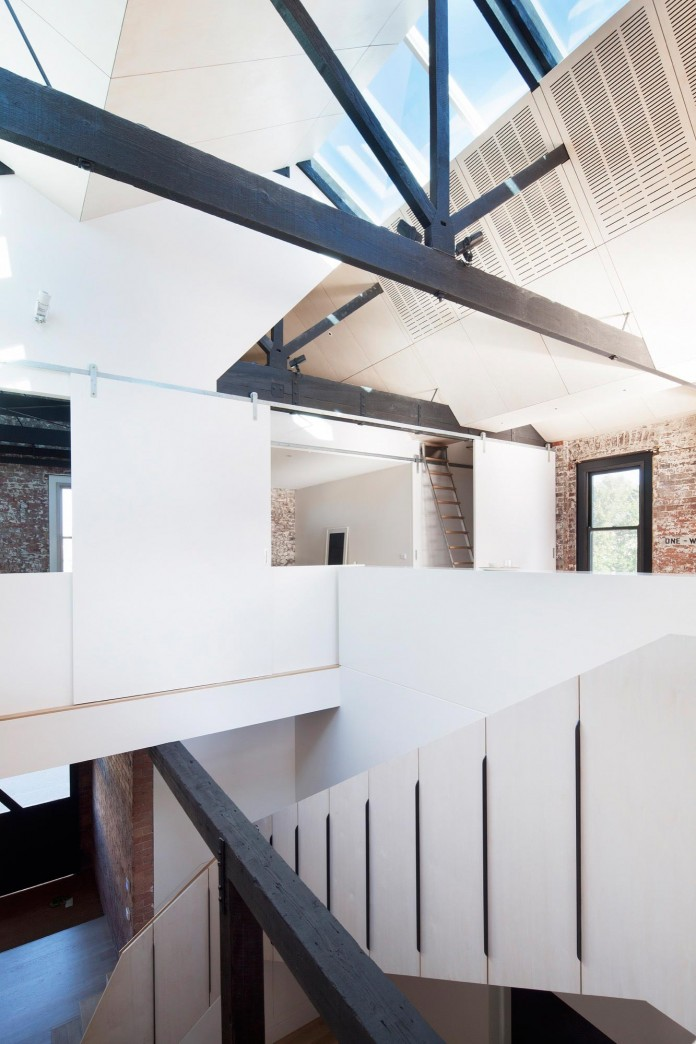 Warehouse-Converted-into-Water-Factory-Residence-in-Fitzroy-by-Andrew-Simpson-Architects-14