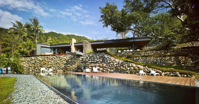 a-place-with-many-rocks-aka-atolan-house-by-create-think-design-studio-29