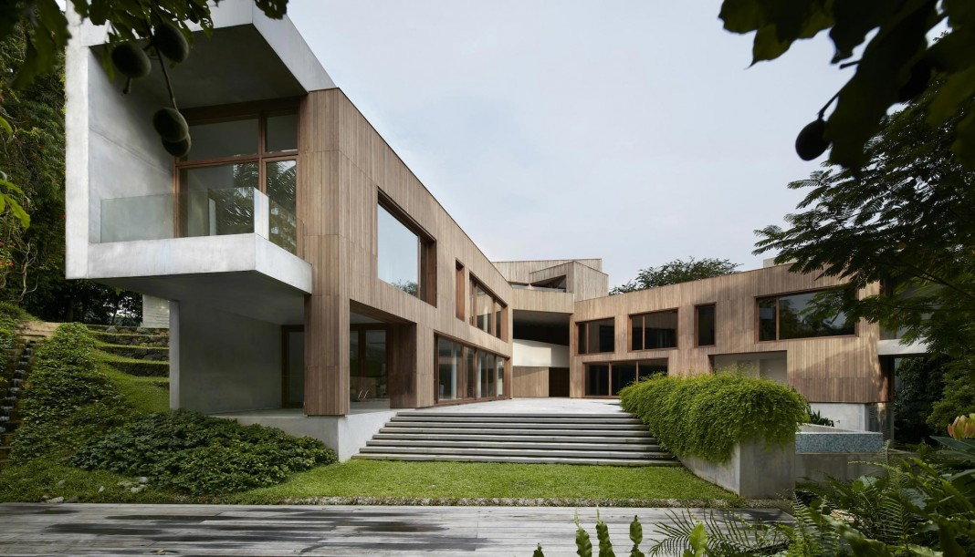 Astrid Hill House, a reinterpretation of a traditional Chinese courtyard house in Singapore by Tsao & McKown