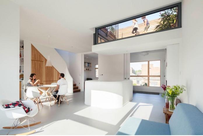 bright-interior-design-of-gransden-avenue-residence-in-london-designed-by-scenario-architecture-05