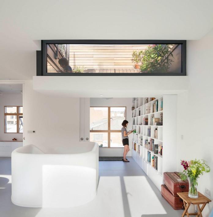 bright-interior-design-of-gransden-avenue-residence-in-london-designed-by-scenario-architecture-06