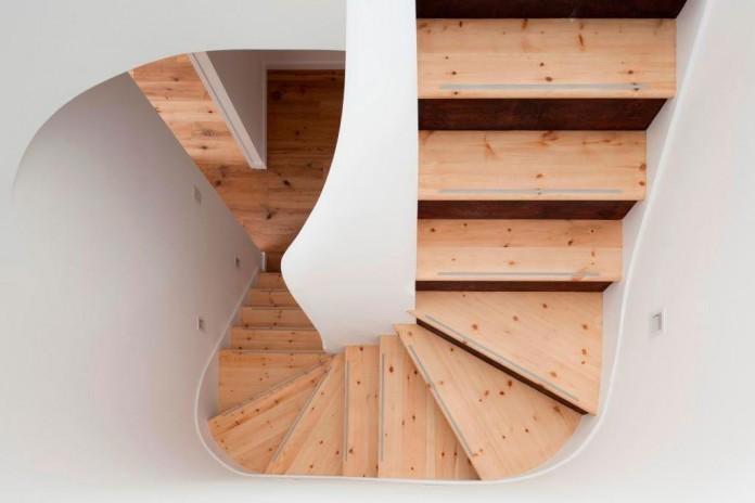 bright-interior-design-of-gransden-avenue-residence-in-london-designed-by-scenario-architecture-11