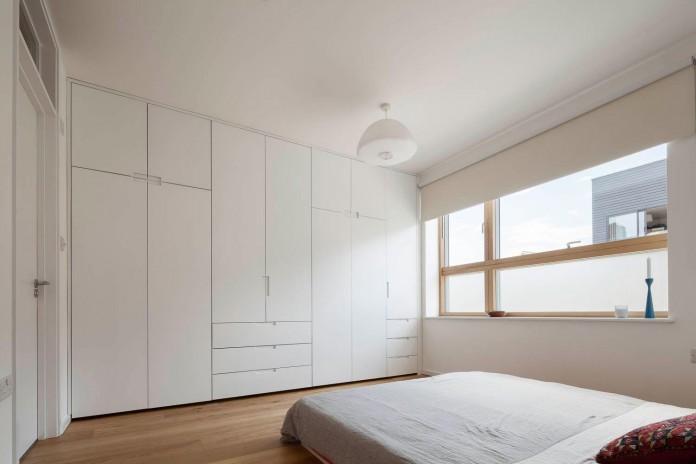 bright-interior-design-of-gransden-avenue-residence-in-london-designed-by-scenario-architecture-12