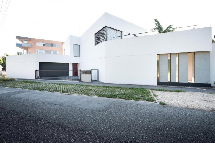 contemporary-white-cubes-home-in-bratislava-by-at26-architecture-design-02