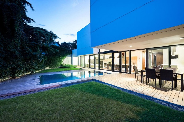 contemporary-white-cubes-home-in-bratislava-by-at26-architecture-design-19