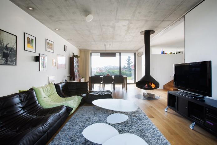 double-view-house-by-architekti-sebo-lichy-12