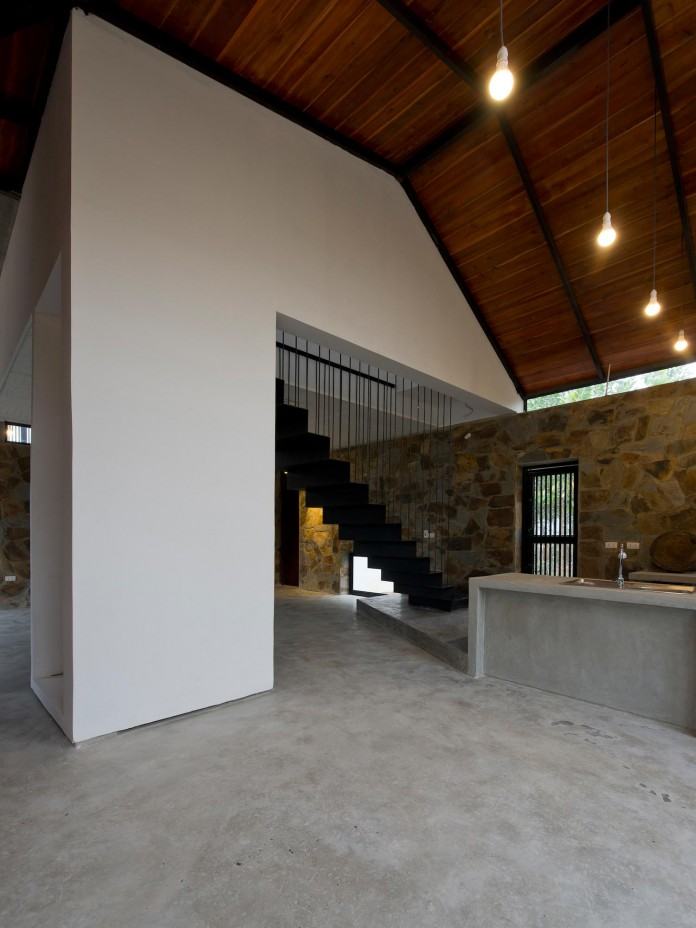 folded-roof-house-by-toob-studio-04