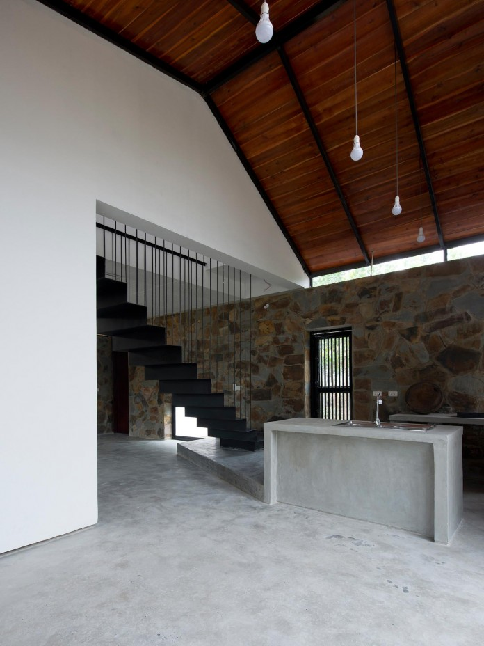 folded-roof-house-by-toob-studio-05