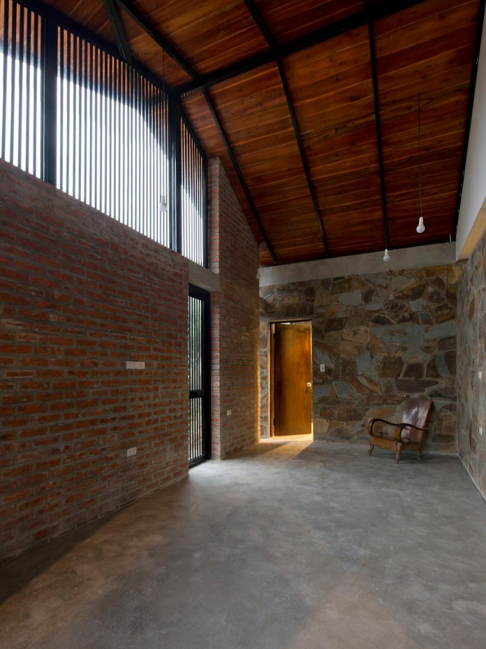 folded-roof-house-by-toob-studio-13