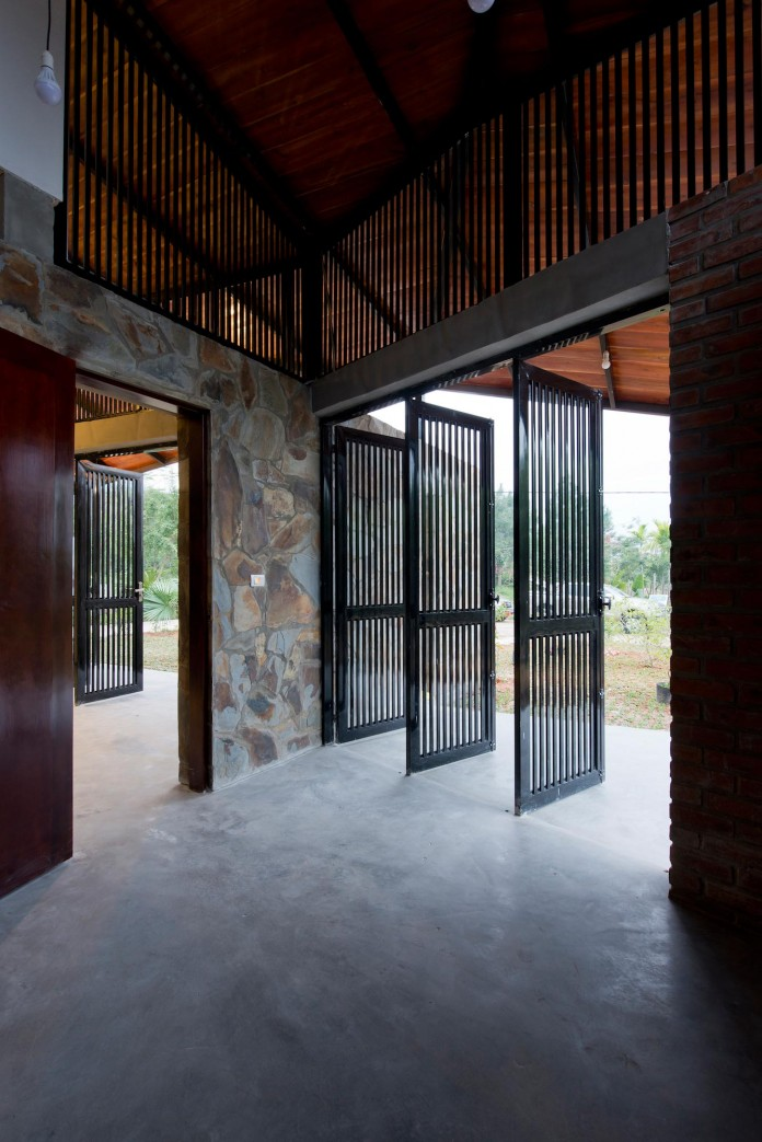 folded-roof-house-by-toob-studio-14