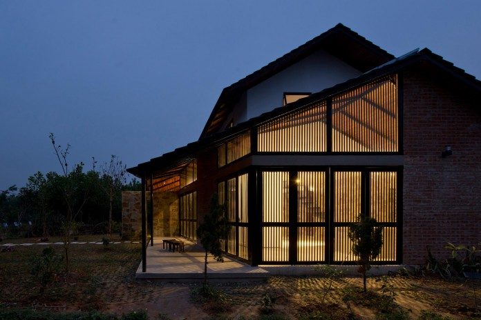 folded-roof-house-by-toob-studio-21