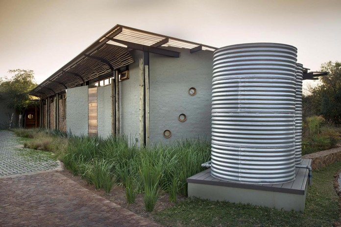 house-mouton-in-a-bushveld-estate-in-leeuwfontein-south-africa-by-earthworld-architects-04