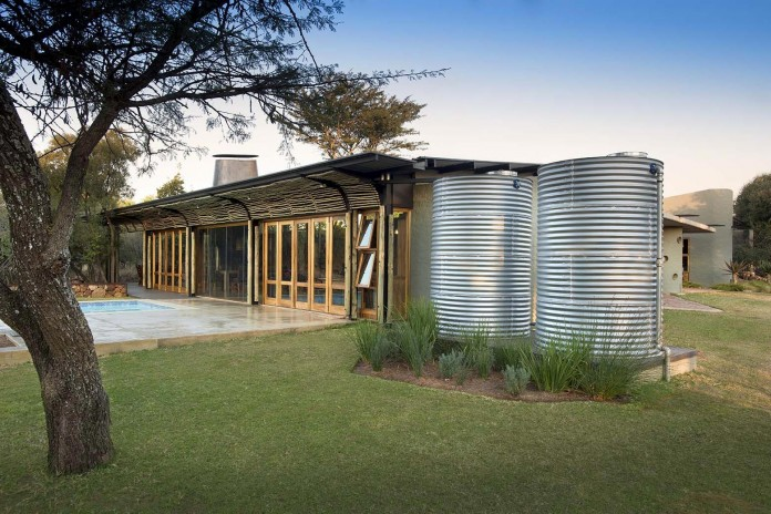 house-mouton-in-a-bushveld-estate-in-leeuwfontein-south-africa-by-earthworld-architects-09