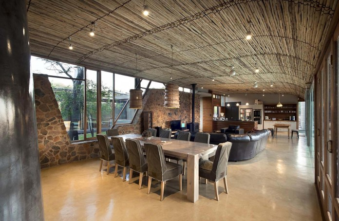 house-mouton-in-a-bushveld-estate-in-leeuwfontein-south-africa-by-earthworld-architects-11