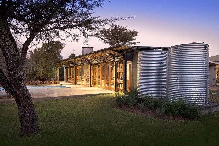 house-mouton-in-a-bushveld-estate-in-leeuwfontein-south-africa-by-earthworld-architects-20
