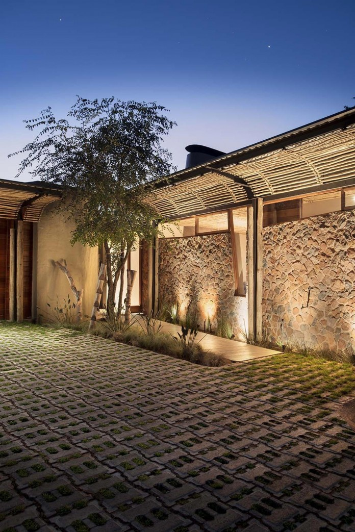 house-mouton-in-a-bushveld-estate-in-leeuwfontein-south-africa-by-earthworld-architects-22