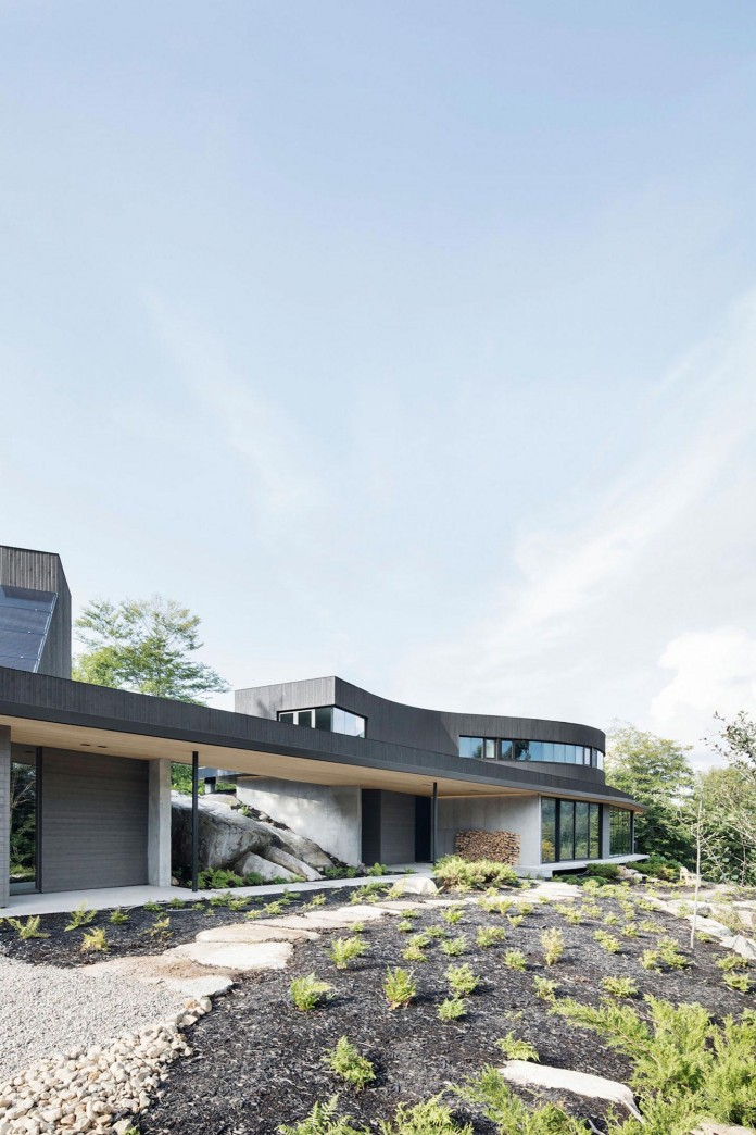 into-the-woods-la-heronniere-residence-in-wentworth-by-alain-carle-architecte-01