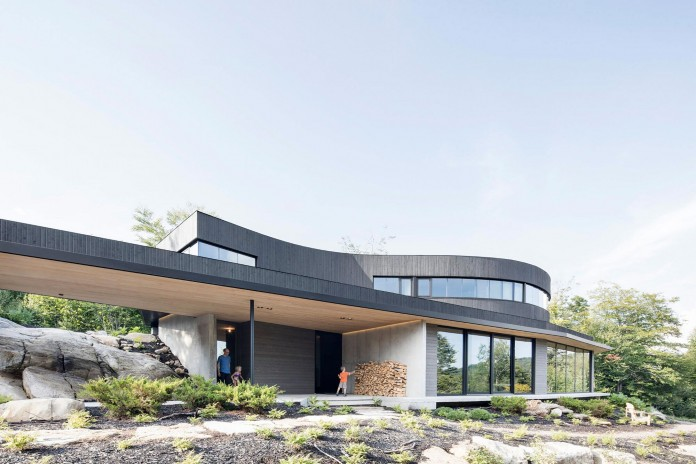 into-the-woods-la-heronniere-residence-in-wentworth-by-alain-carle-architecte-02