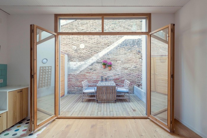 junos-children-playhouse-in-barcelona-by-nook-architects-01