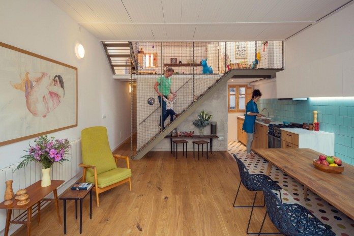 junos-children-playhouse-in-barcelona-by-nook-architects-02