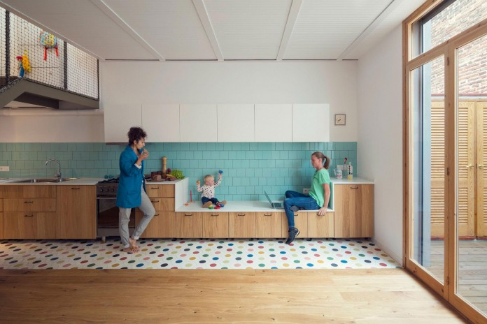 junos-children-playhouse-in-barcelona-by-nook-architects-03