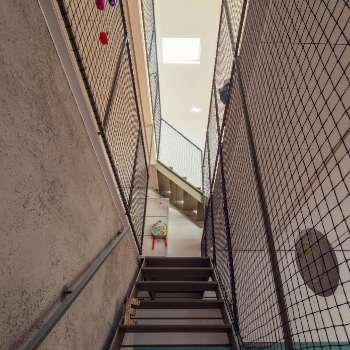 junos-children-playhouse-in-barcelona-by-nook-architects-06