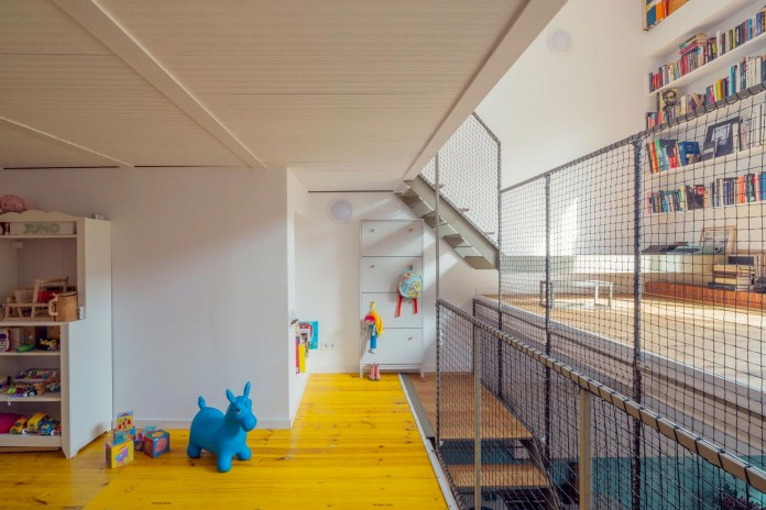 junos-children-playhouse-in-barcelona-by-nook-architects-07