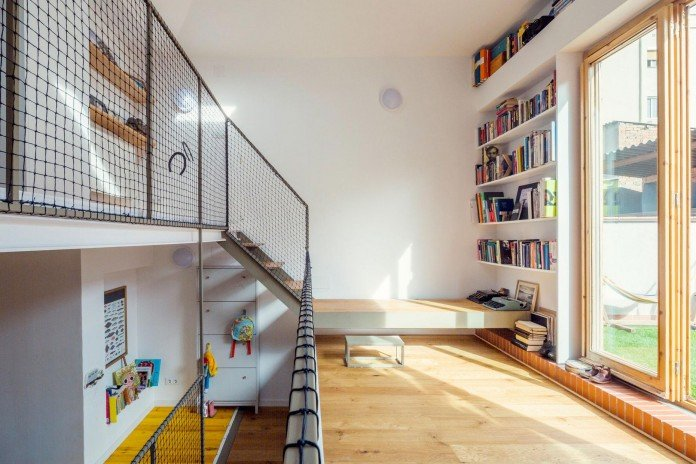 junos-children-playhouse-in-barcelona-by-nook-architects-08