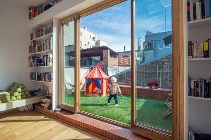 junos-children-playhouse-in-barcelona-by-nook-architects-10