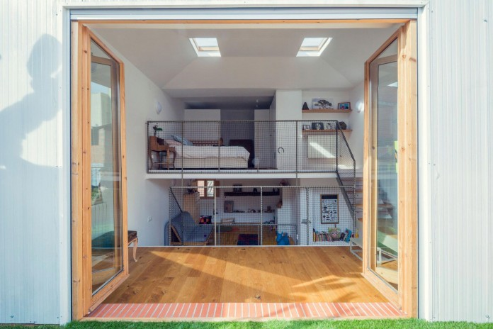 junos-children-playhouse-in-barcelona-by-nook-architects-11