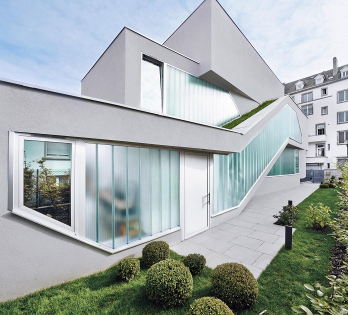 mahouse-located-in-strasbourg-france-by-marc-fornes-theverymany-04