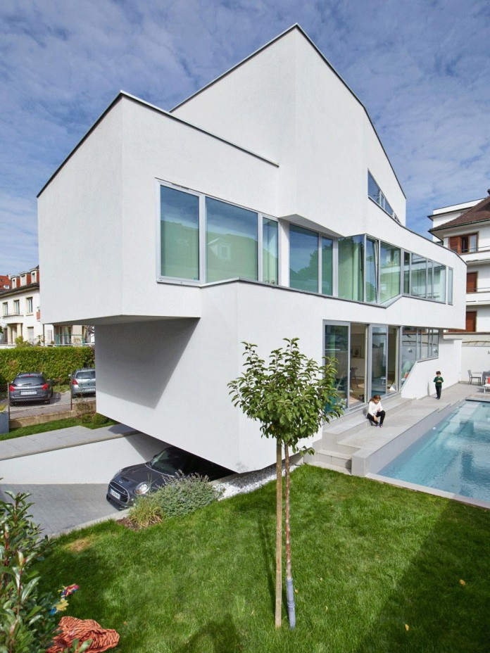 mahouse-located-in-strasbourg-france-by-marc-fornes-theverymany-07