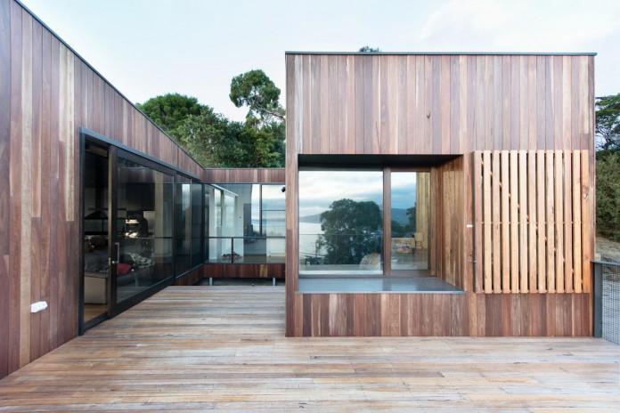 martha-residence-a-four-bedroom-beach-side-family-retreat-by-ola-studio-02