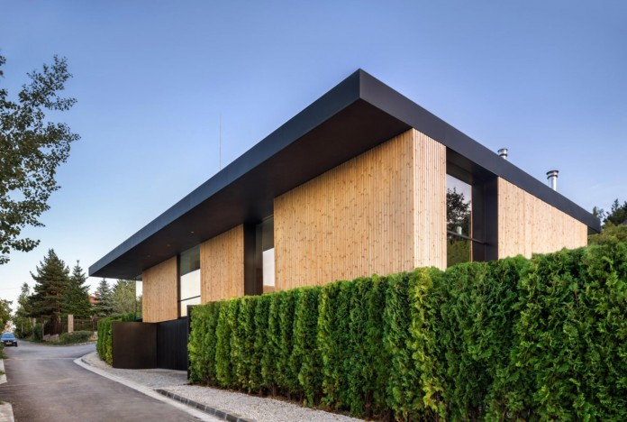 modern-pagoda-house-in-the-outskirts-of-sofia-by-io-architects-02