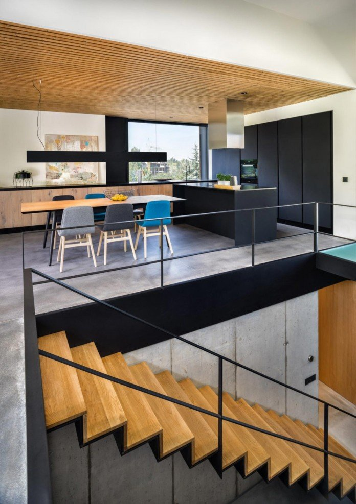modern-pagoda-house-in-the-outskirts-of-sofia-by-io-architects-06