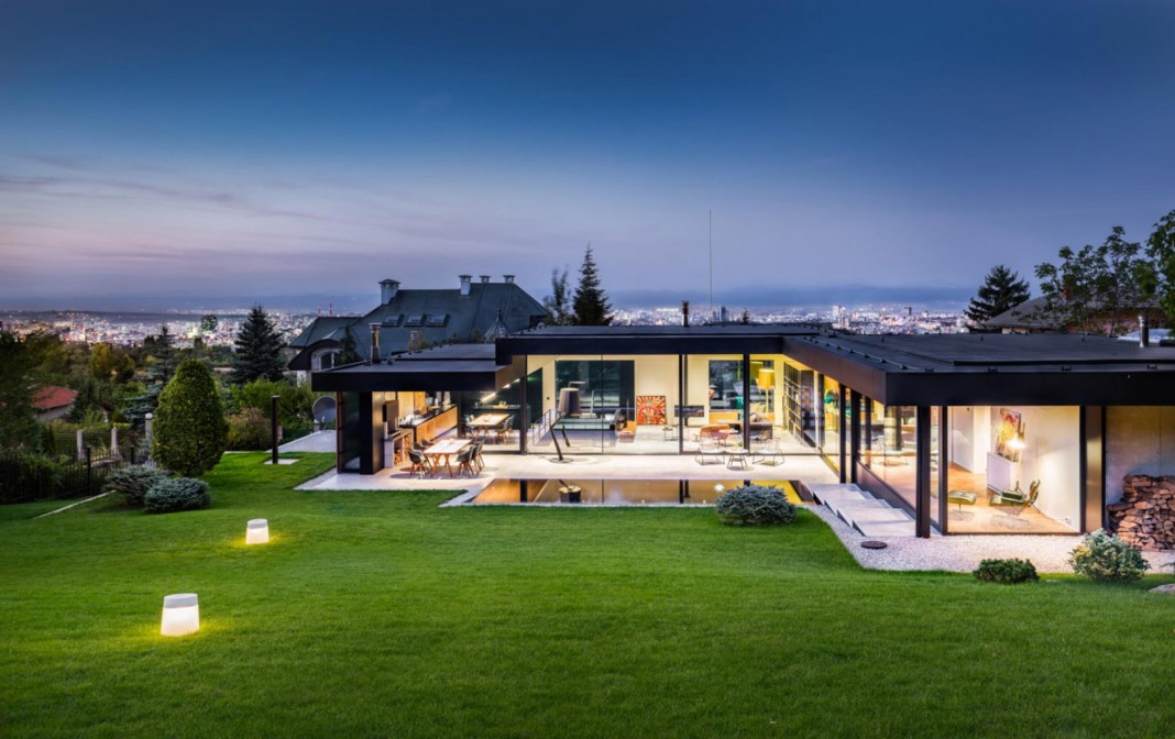 Modern Pagoda House in the outskirts of Sofia by I/O architects