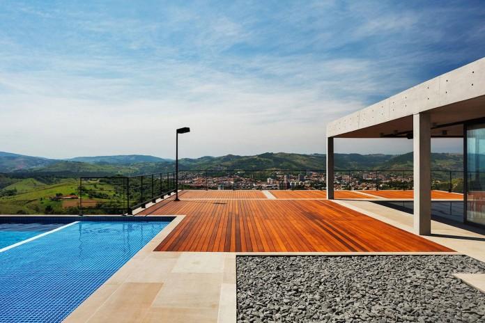 obra-arquitetos-designed-the-jj-hill-house-with-spectacular-views-over-amparo-sao-paulo-06