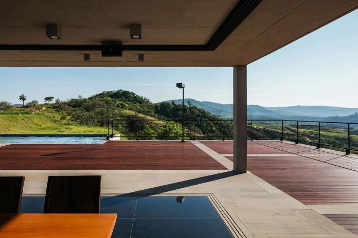 obra-arquitetos-designed-the-jj-hill-house-with-spectacular-views-over-amparo-sao-paulo-07