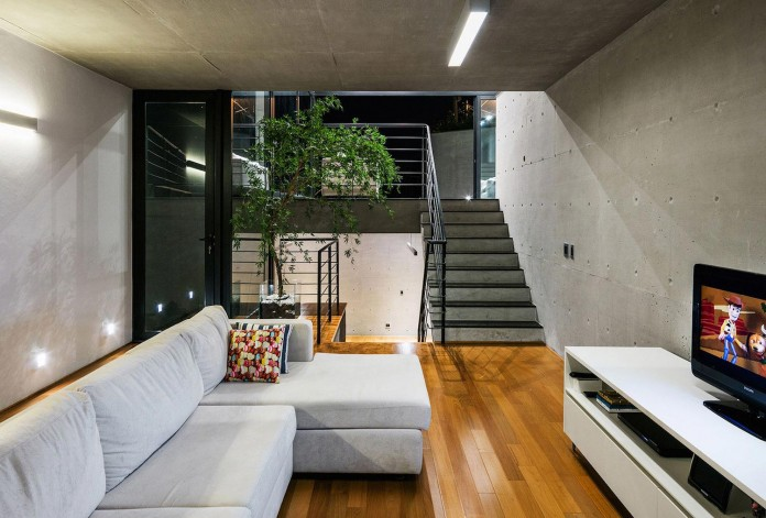 obra-arquitetos-designed-the-jj-hill-house-with-spectacular-views-over-amparo-sao-paulo-12