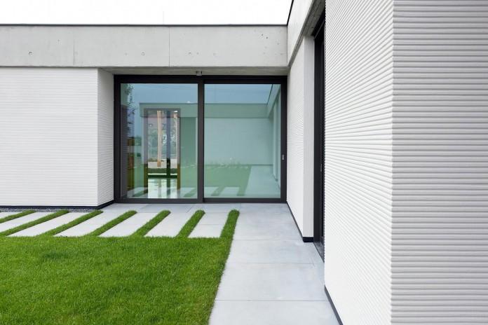 one-story-modern-home-in-olomouc-slavonin-by-jvarchitekt-kamkabnet-03