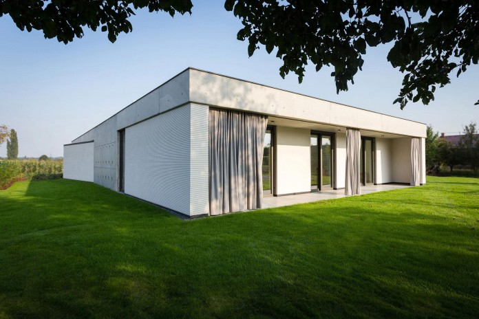 One Story Modern Home In Olomouc Slavonin By