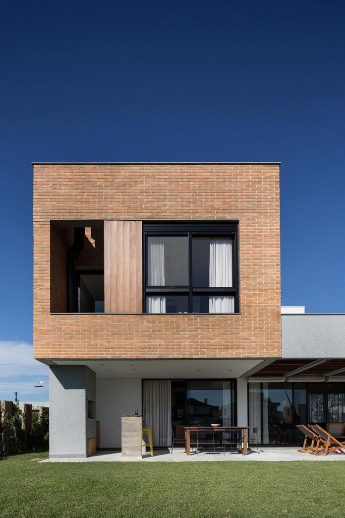 seferin-arquitetura-designed-c26-home-for-a-young-family-with-two-children-in-xangri-la-brazil-06