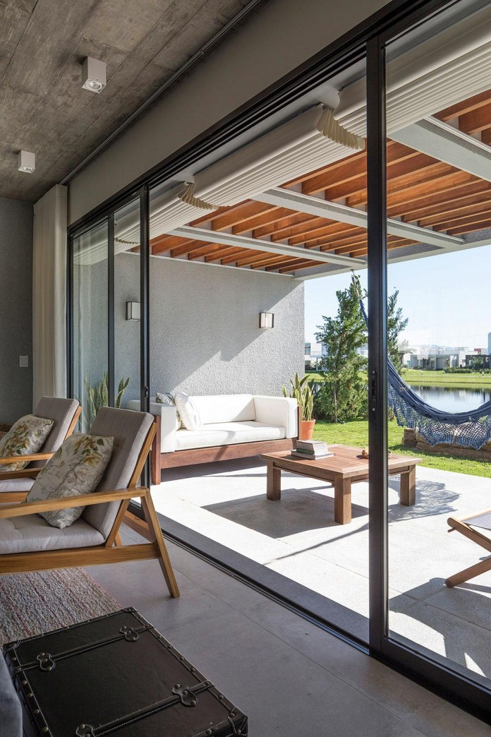 seferin-arquitetura-designed-c26-home-for-a-young-family-with-two-children-in-xangri-la-brazil-14
