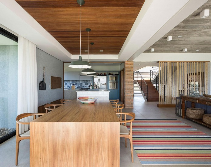 seferin-arquitetura-designed-c26-home-for-a-young-family-with-two-children-in-xangri-la-brazil-24