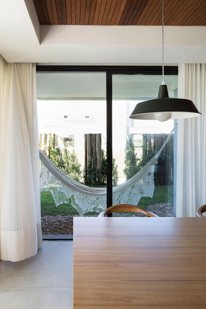 seferin-arquitetura-designed-c26-home-for-a-young-family-with-two-children-in-xangri-la-brazil-25