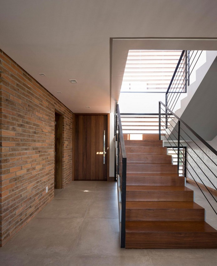 seferin-arquitetura-designed-c26-home-for-a-young-family-with-two-children-in-xangri-la-brazil-27
