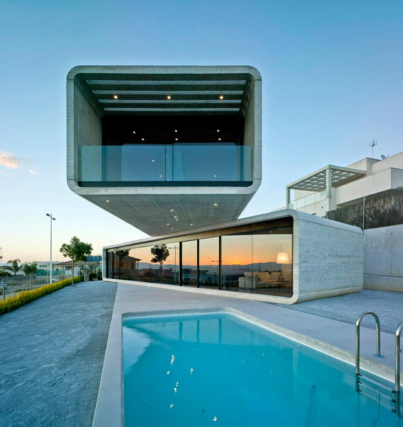 Singular, Crossed House in La Alcayna by Clavel Arquitectos