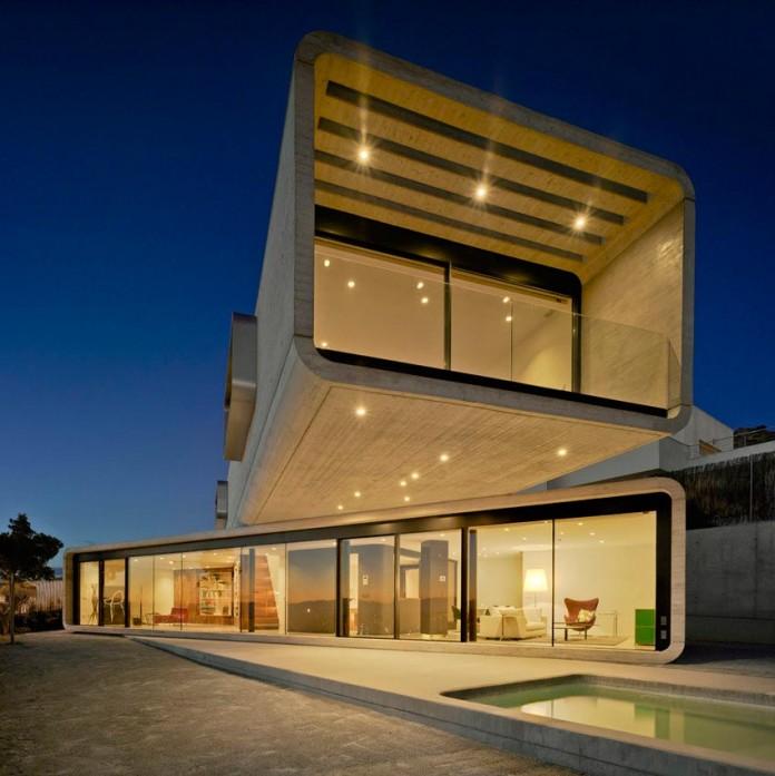 singular-crossed-house-in-la-alcayna-by-clavel-arquitectos-02